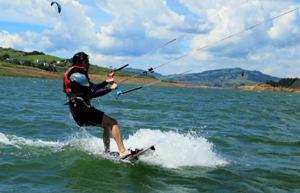 kitesurfer lago calima