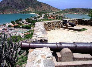 Alte Kanone in Juan Griego
