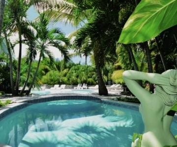 Tonfigur am Pool des Adam&Eve